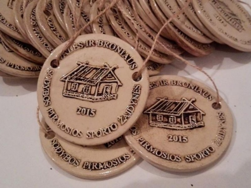 Medaliai, vardinai, apdovanojimai, taurės, medaliai, šventės, švenčių atributika, verslo dovanos, vestuviu dovanos, dovanos svečiams, keramika.
