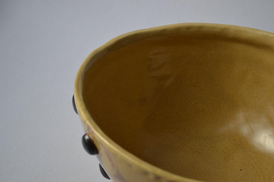 Dubuo vaisiams , vaisinė, saldaininė, stalo indai, keramika.